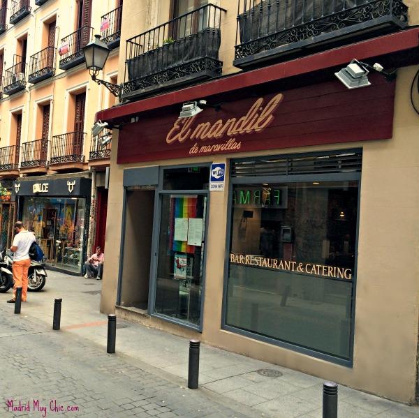 """El Mandil sigue estando en la Calle Colón, pero es ahora """"de Maravillas"""" como también lo era el barrio de Malasaña"""