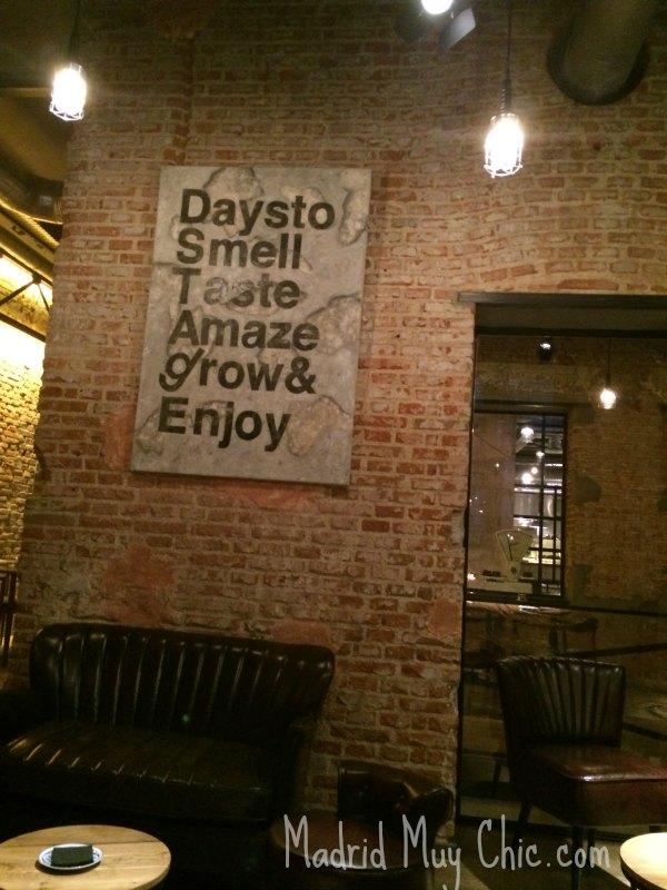 """Con su Days to Smell Taste Amaze Grow & Enjoy o, lo que es lo mismo, con su """"DSTAgE"""", Diego Guerrero se vuelve empresario y se vuelca en su propia marca."""