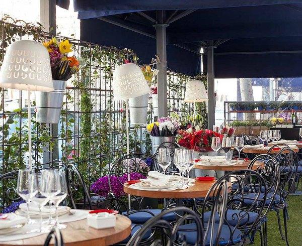 Una terraza absolutamente charming a la que debes ir y querrás volver