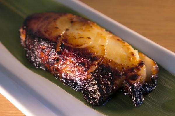 Bacalao Negro de Alaska. Este es como comer mantequilla… delicioso y delicado.