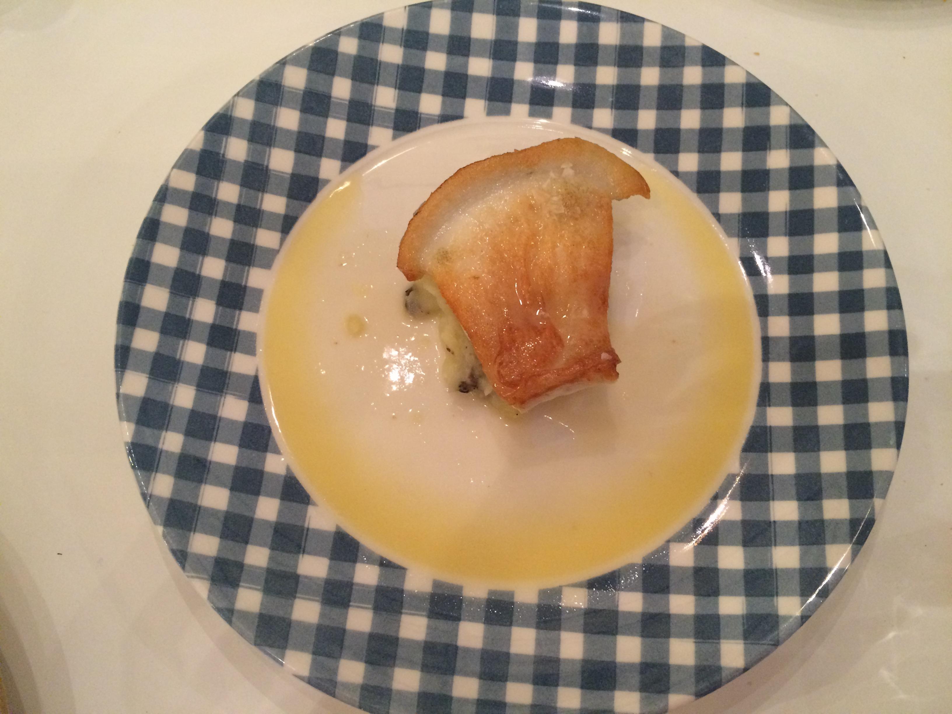 Uno de los recomendados y que no decepcionan es el rodaballo con salsa de limón