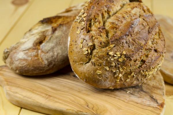 El pan lo hornean ellos mismos, o sea que cuidado!  No te hinches a pan y deja sitio para lo demás..