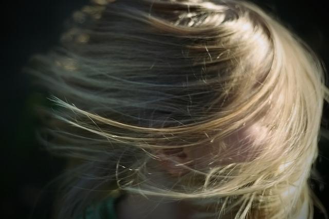 SOS cloro ¡Las rubias mucho cuidado con el pelo verde!