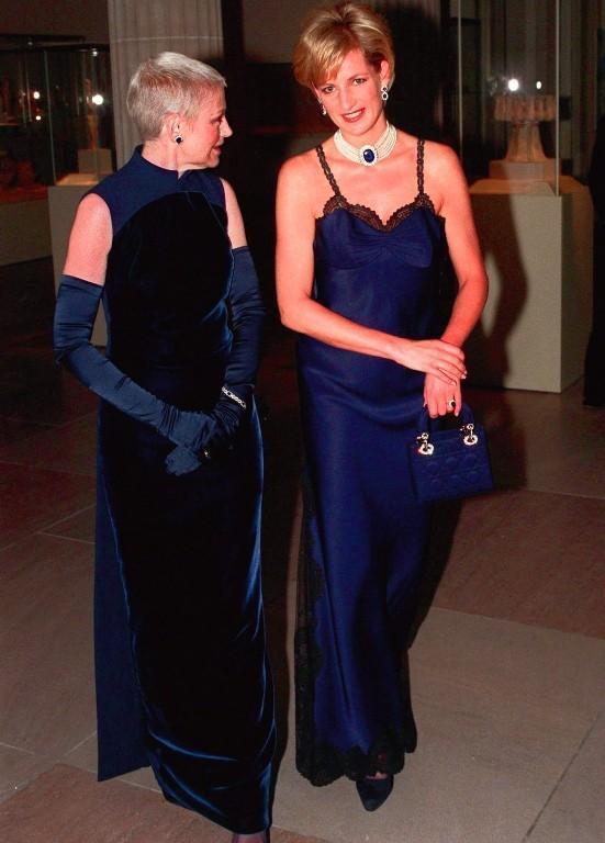 El vestido lencero de Galliano, otro de los protagonistas de la sesión de fotos con Testino