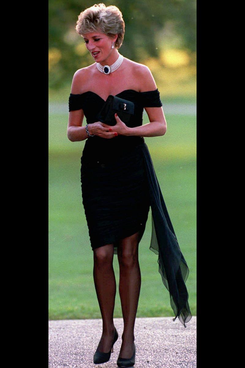 """El """"vestido de la venganza"""", un vestido maravilloso, rompedor e icónico"""
