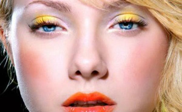Primera pregunta para elegir el maquillaje: ¿eres rubia, morena o pelirroja?