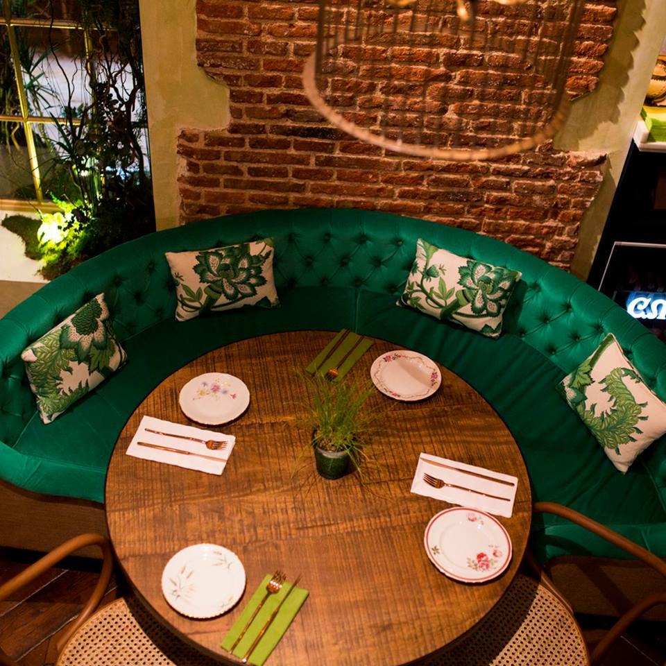 #IdealAmigas ¡Ahí lo dejo! ¿Quién quiere reservar esta mesa?