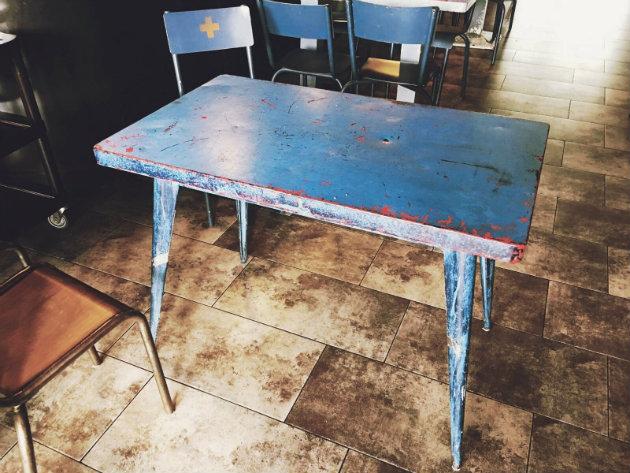 mesa tolix mediana