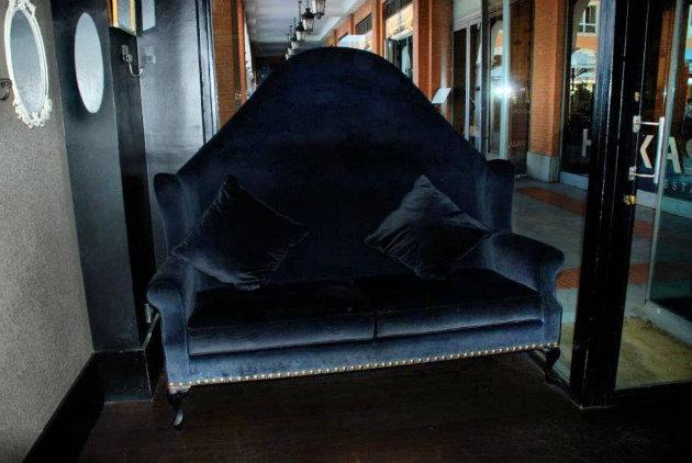 sofa de terciopelo