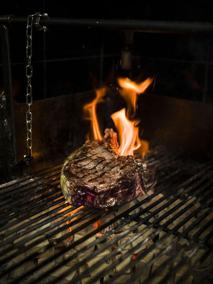 Latasia carnes