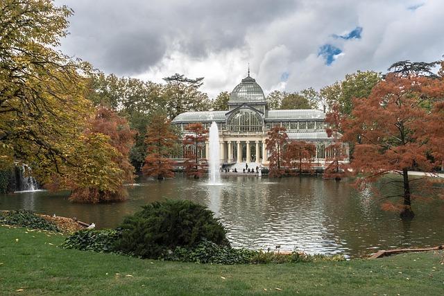 El parque del Retiro es uno de los más bonitos de Madrid y tiene un montón de sitios que descubrir