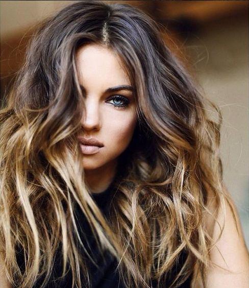 Tener un pelo sano y bonito es uno de los factores de la juventud por excelencia