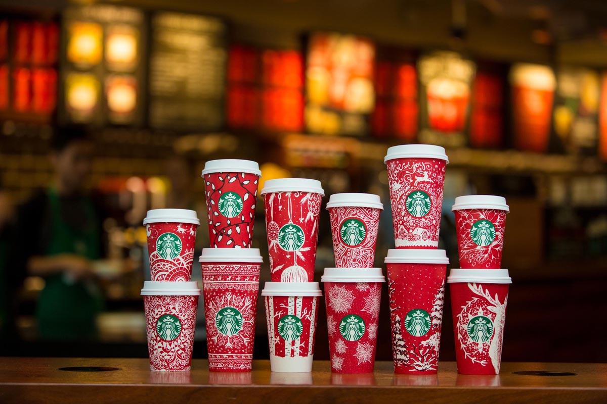 Starbucks viste sus cafés de Navidad
