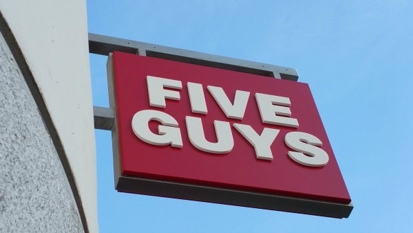 POR QUÉ ARRASAN LAS HAMBURGUESAS DE FIVE GUYS